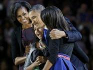 Obamahug186x140.jpg