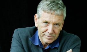 Amos-Oz-frontview