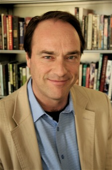 Journalism professor Sandy Tolan