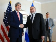 Lieberman-Kerry186x140.jpg