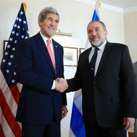 Lieberman-Kerry200x200.jpg